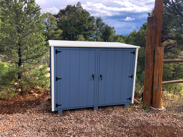 Bearicuda Aspen outdoor Storage Bin Enclosure Blue